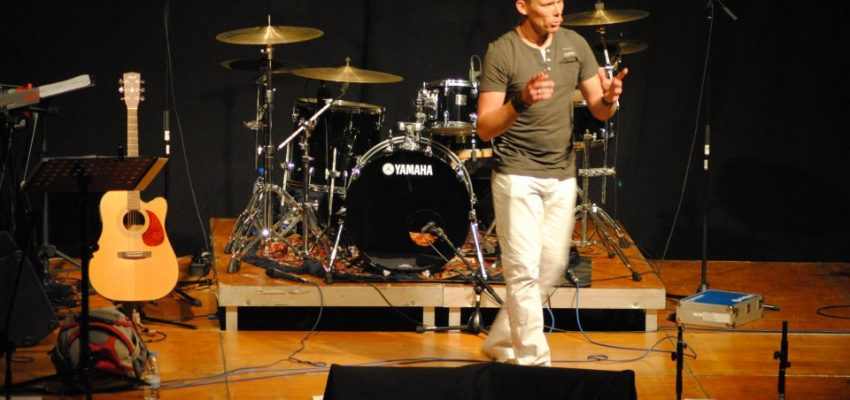 Theo Tolsma spreekt in VBG Bethel 'BE ONE'