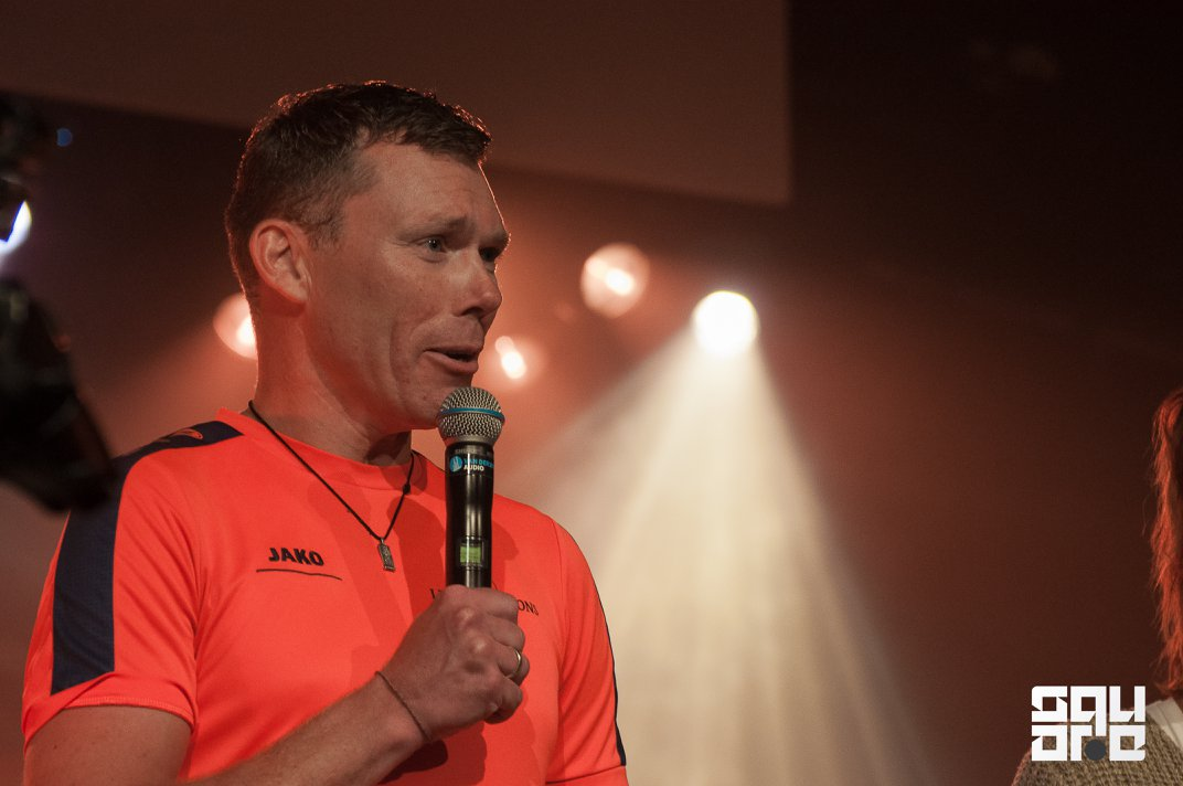 Theo Spreekt in de VBG gemeente in Wierden